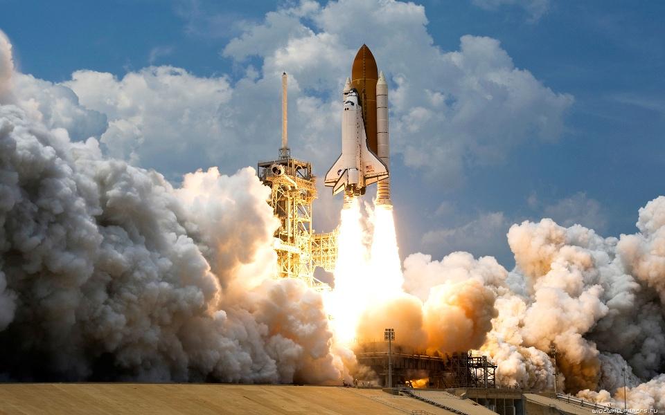 Space-Rocket-Taking-Flight-Wallpaper